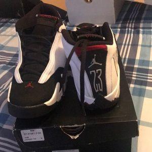0318b55722cb Jordan Shoes - A pair of white and black retro 14 size 7